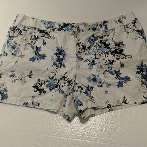 Ann Taylor floral shorts 16